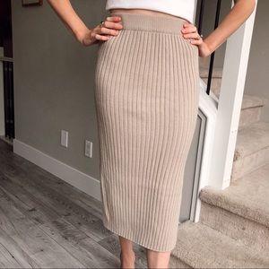 Dresses & Skirts - Ribbed Knit Midi Skirt